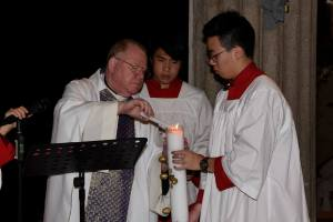 Easter 2016 - Lighting the Easter Candle