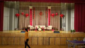 Stage set for New year photo